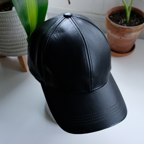 Accessories - Genuine leather Adj black baseball cap